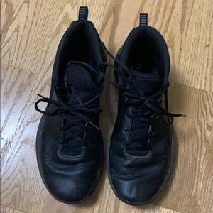 UNDER ARMOUR MENS BLACK SNEAKERS SIZE 9 1/2